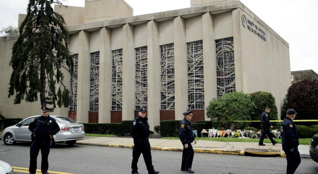 El atacante de la sinagoga de EE.UU. enfrenta una posible pena de muerte