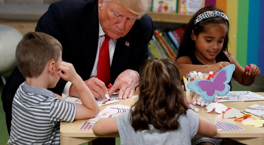 Yo quiero a mi bandera: Trump pintó mal la insignia de Estados Unidos