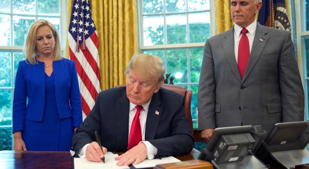 Trump firmó un decreto para ponerle fin a la separación de las familias de los inmigrantes