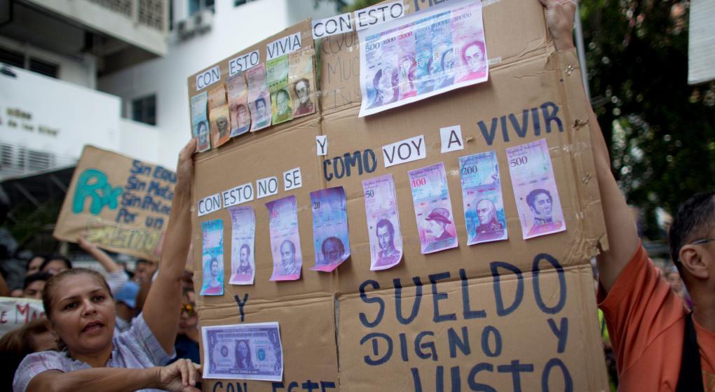 Reconversión monetaria, nueva receta económica de Maduro