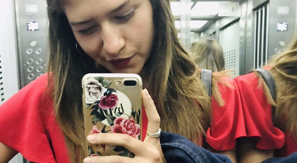 Con GPS, Twitter y en patrullero: así recuperó su celu una periodista cordobesa