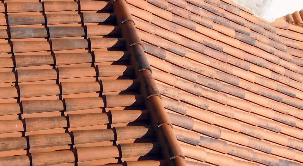 Las tejas antiguas pero vigentes noticias al instante for Tejados de madera con teja