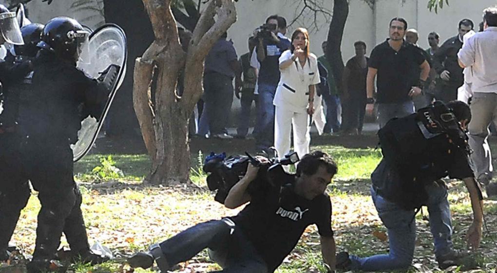 Resultado de imagen para represion hospital borda