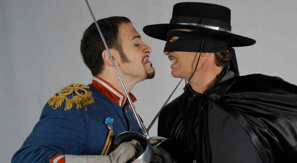 Fernando Lupiz Gravemente Herido Con Una Espada Durante Una Funcion De El Zorro El Sitio De Television Cartelera De Cine Musica